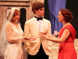 McLean Jesse as Bianca, John Mincks as Lucentio and Liz Blake White as Kate